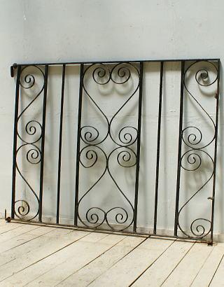 イギリスアンティーク アイアンフェンス ゲート柵 ガーデニング 5390
