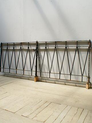 イギリスアンティーク アイアンフェンス ゲート柵 ガーデニング 6181