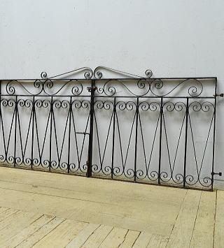 イギリスアンティーク アイアンフェンス ゲート柵 ガーデニング 6521