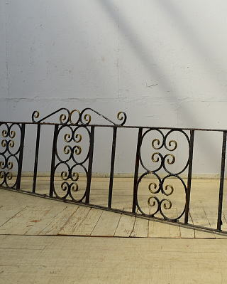 イギリスアンティーク アイアンフェンス ゲート柵 ガーデニング 6526